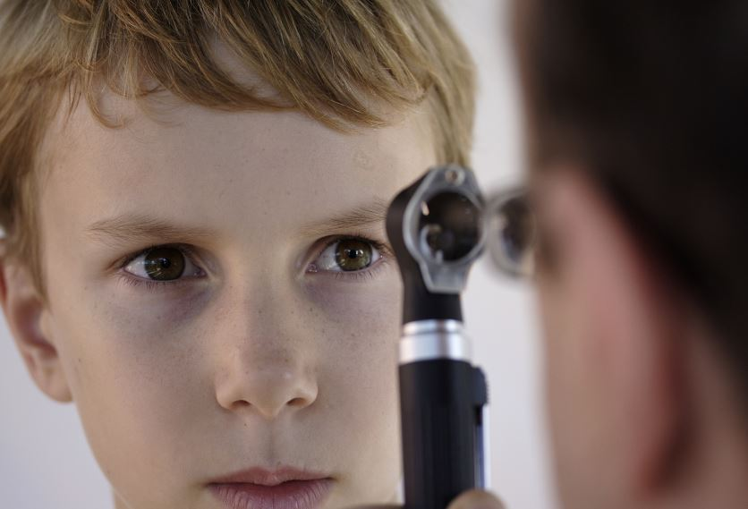 První oftalmoskopy se začaly objevovat až po roce 1850. Zdroj: www.bistockphoto.com